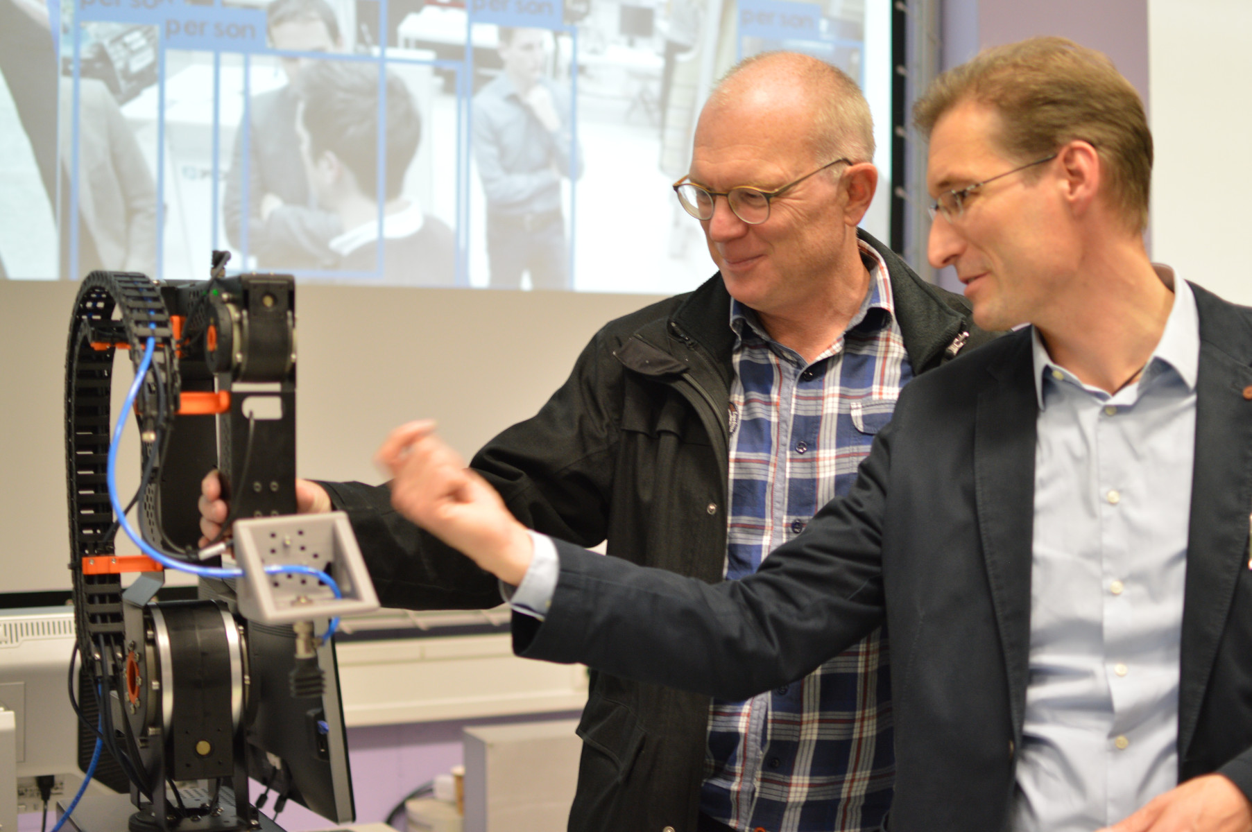 Forschungsschmiede öffnete am 22. November sein Robotik-Labor